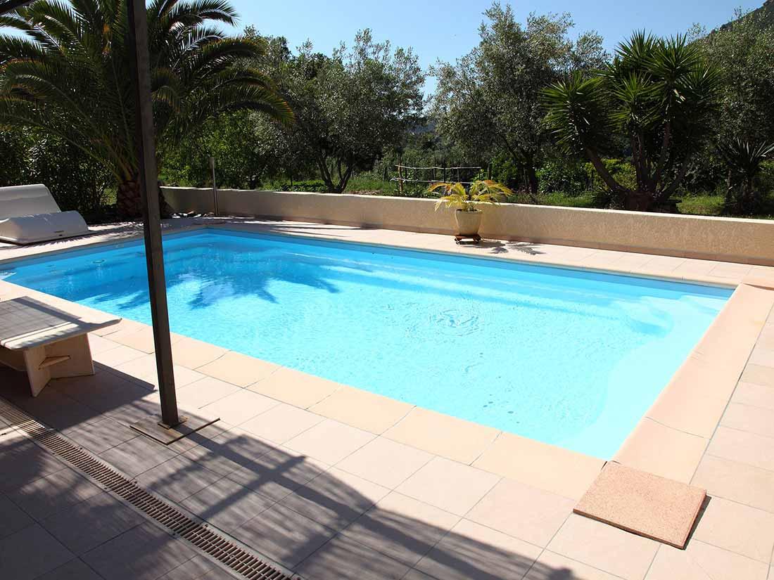 Fiamenghi plage et abords de piscine for Plage piscine carrelage